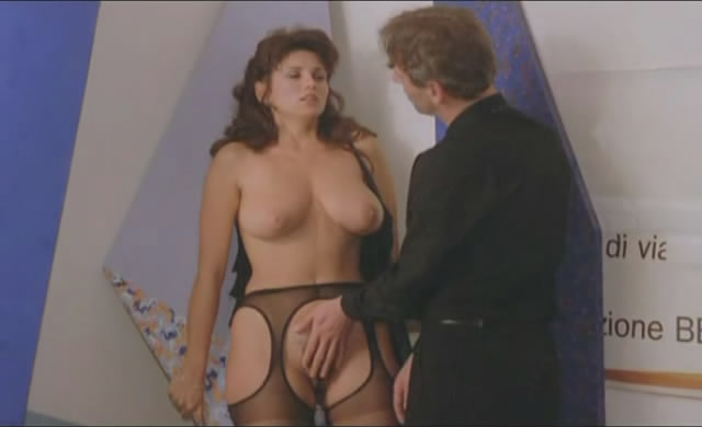 Nell i strip and play - 1 part 2