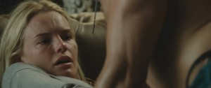 Kate Bosworth in Straw Dogs (2011) - 720p.avi_snapshot_02.39_[2011.12.08_02.43.36]