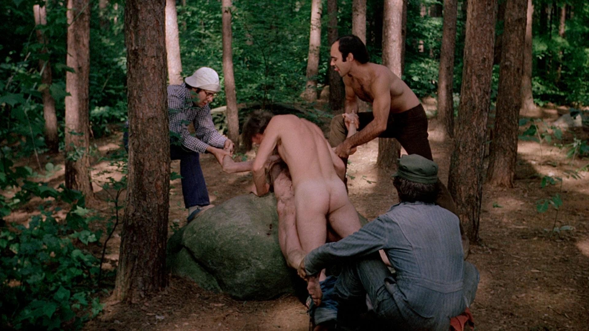 кадры из фильма где жену писателя трахают пока тот на охоте тоже предпочел, чтобы